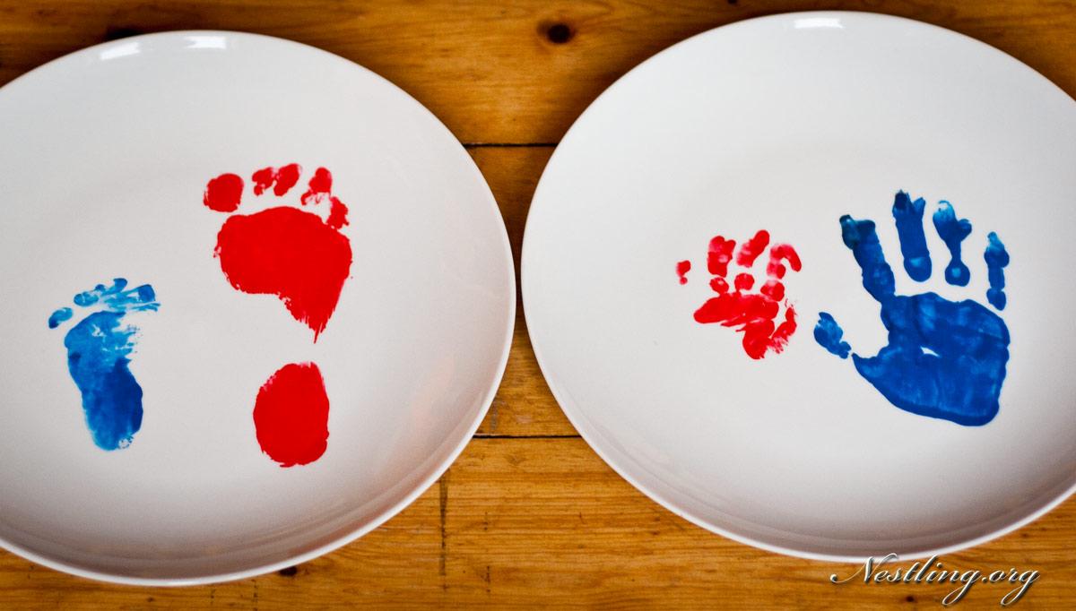 Baby Handabdruck Und Fussabdruck Auf Tasse Oder Teller Nestling